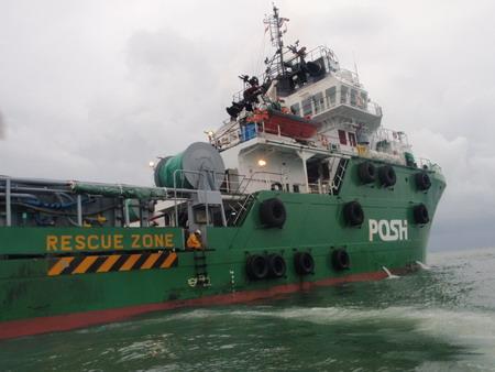 เรือลำที่เราไปขั้น ขณะลอยลำส่งเรากลับฝั่งด้วยเรือสปรีดโป๊ท