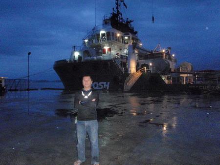 เช้ามืดก่อนลงเรือสินค้า