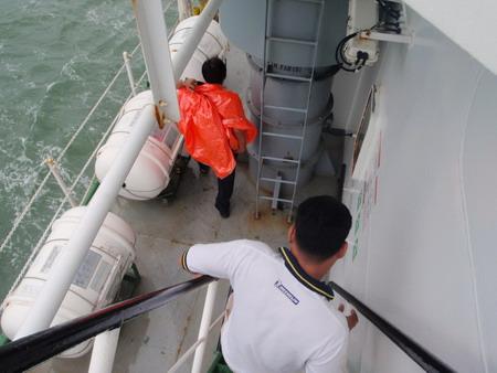 หลังจากกัปตัน(นำร่อง)ส่งเรือเพื่ออกทะเลเสร็จ ก็จะกลับฝั่งโดยเรือเร็วต่อไป
